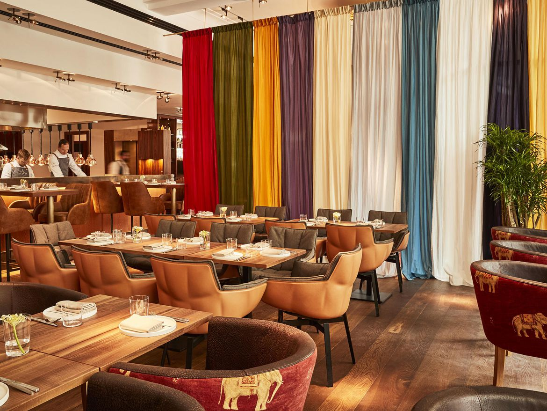 hotel restaurant bar in berlin kreuzberg the orania berlin. Black Bedroom Furniture Sets. Home Design Ideas