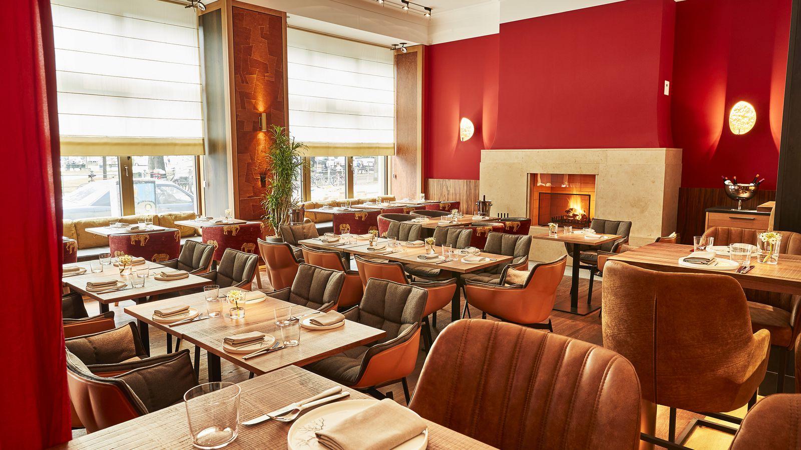 cosmopolitan restaurant in berlin kreuzberg the orania. Black Bedroom Furniture Sets. Home Design Ideas
